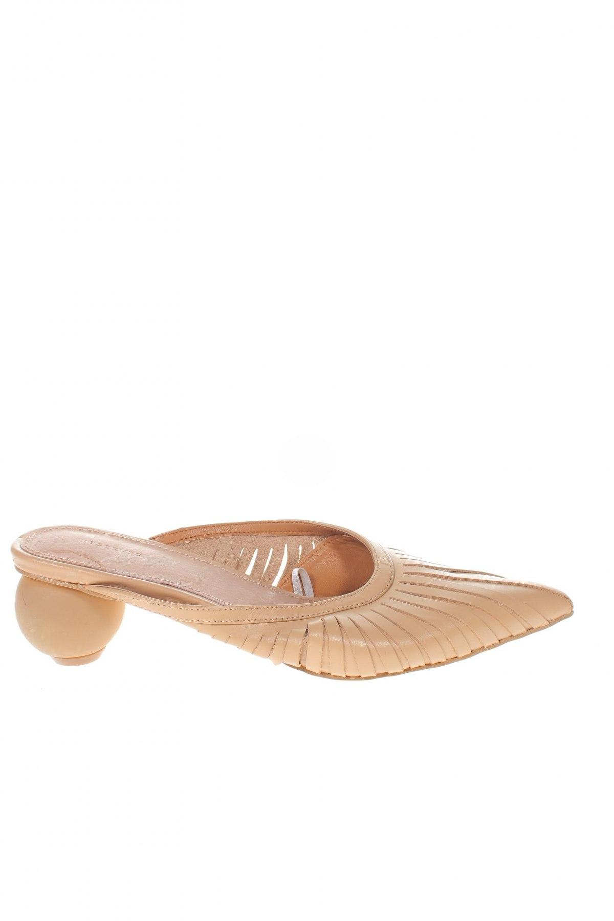 Γυναικείες παντόφλες Reserved, Μέγεθος 36, Χρώμα  Μπέζ, Γνήσιο δέρμα, Τιμή 18,85€