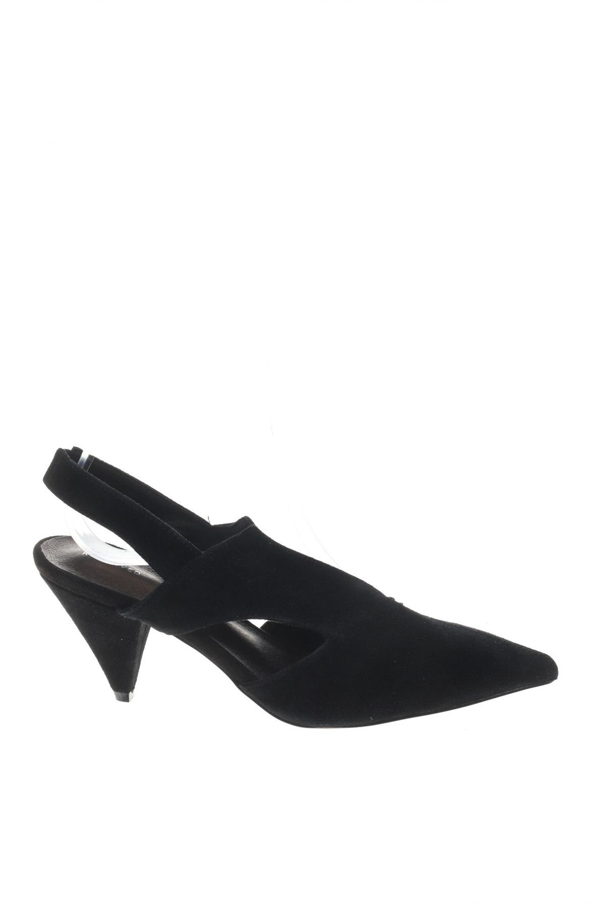 Γυναικεία παπούτσια Reserved, Μέγεθος 36, Χρώμα Μαύρο, Φυσικό σουέτ, Τιμή 15,31€