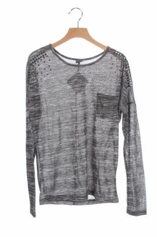 Детска блуза Y.f.k, Размер 10-11y/ 146-152 см, Цвят Сив, Цена 4,25лв.