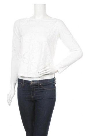 Дамска блуза H&M L.O.G.G., Размер XS, Цвят Бял, 65% полиестер, 35% вискоза, Цена 15,12лв.