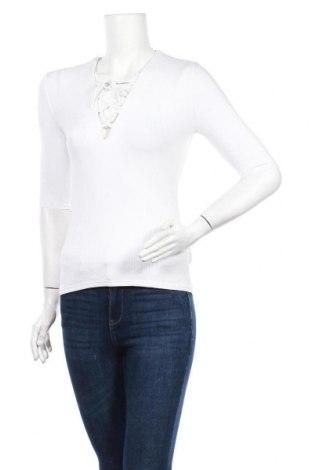 Дамска блуза Oysho, Размер S, Цвят Бял, 95% вискоза, 5% еластан, Цена 31,50лв.