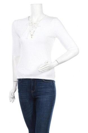Дамска блуза Oysho, Размер M, Цвят Бял, 95% вискоза, 5% еластан, Цена 13,86лв.