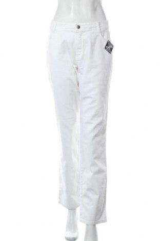 Дамски дънки, Размер L, Цвят Бял, 97% памук, 3% еластан, Цена 31,27лв.
