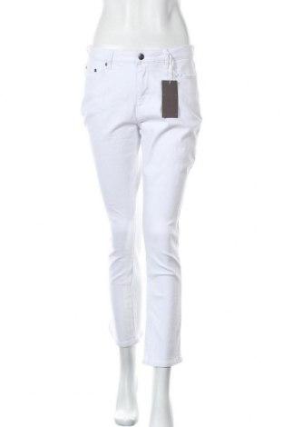 Дамски дънки Aniston, Размер M, Цвят Бял, 98% памук, 2% еластан, Цена 32,43лв.