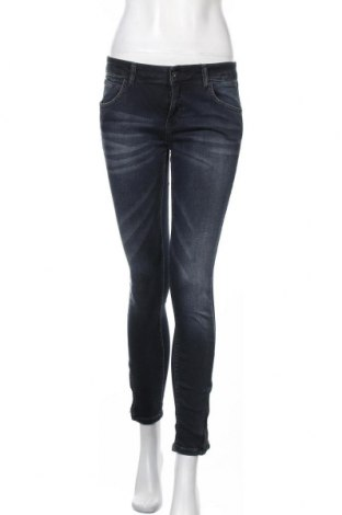 Дамски дънки Zara, Размер M, Цвят Син, Цена 32,92лв.