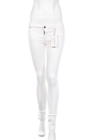 Дамски дънки Zara, Размер XS, Цвят Бял, 58% модал, 30% памук, 10% полиестер, 2% еластан, Цена 36,75лв.