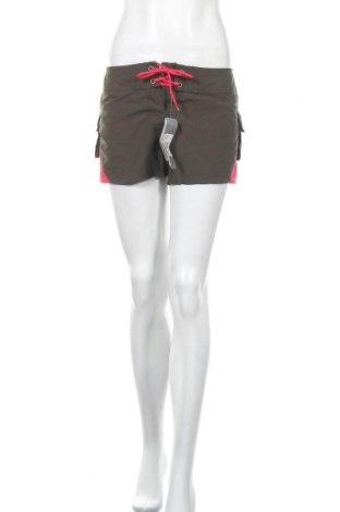 Γυναικείο κοντό παντελόνι Adidas, Μέγεθος L, Χρώμα Πράσινο, Πολυεστέρας, Τιμή 13,18€