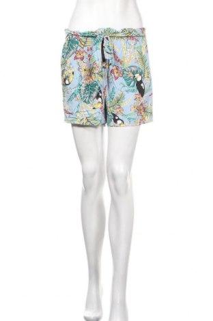 Дамски къс панталон Clockhouse, Размер S, Цвят Многоцветен, Вискоза, Цена 15,96лв.