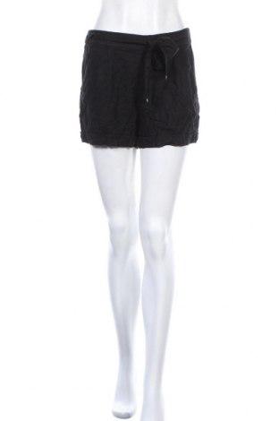 Γυναικείο κοντό παντελόνι Dynamite, Μέγεθος S, Χρώμα Μαύρο, 55% λινό, 45% βισκόζη, Τιμή 4,09€