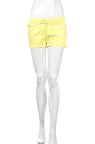 Γυναικείο κοντό παντελόνι Vero Moda, Μέγεθος S, Χρώμα Κίτρινο, 97% βαμβάκι, 3% ελαστάνη, Τιμή 4,09€