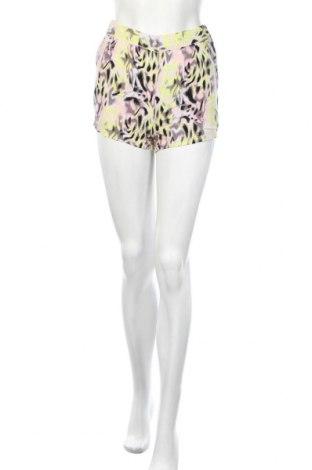 Γυναικείο κοντό παντελόνι Vero Moda, Μέγεθος S, Χρώμα Πολύχρωμο, Τιμή 3,86€