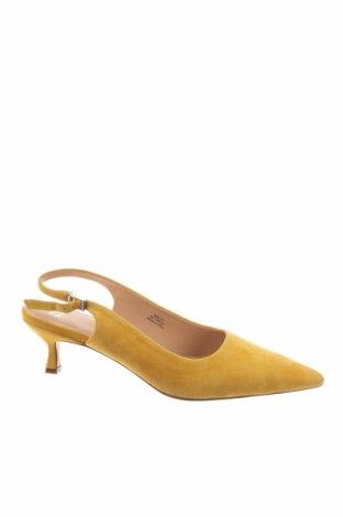Дамски обувки Anny Nord, Размер 41, Цвят Жълт, Естествен велур, Цена 145,32лв.