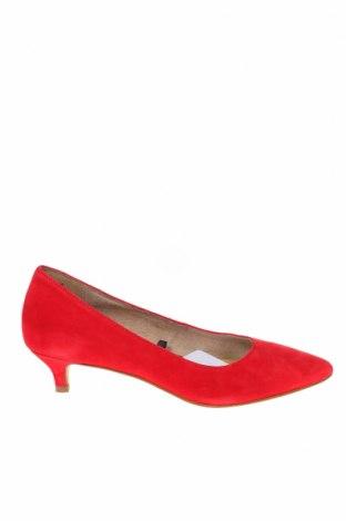 Дамски обувки Tamaris, Размер 37, Цвят Червен, Естествен велур, Цена 49,02лв.