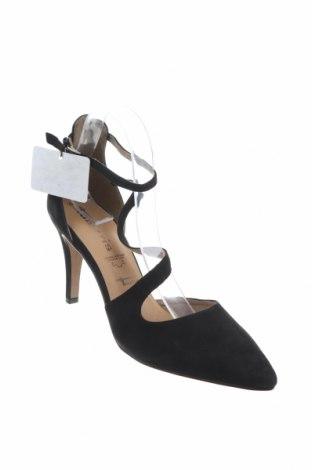 Дамски обувки Tamaris, Размер 41, Цвят Черен, Естествен велур, Цена 36,89лв.