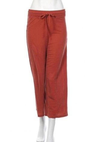 Γυναικείο παντελόνι Bershka, Μέγεθος XS, Χρώμα Καφέ, 51% μοντάλ, 49% πολυαμίδη, Τιμή 17,54€