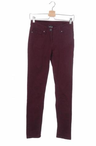 Дамски панталон Colours Of The World, Размер XS, Цвят Лилав, 98% памук, 2% еластан, Цена 5,01лв.