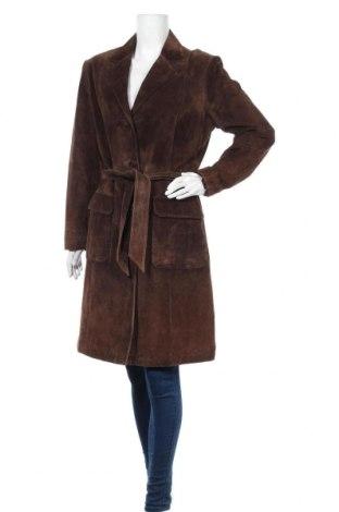 Дамско кожено палто Milestone, Размер M, Цвят Кафяв, Естествен велур, Цена 155,40лв.