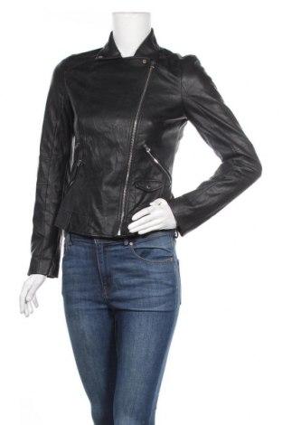 Дамско кожено яке Zara Trafaluc, Размер S, Цвят Черен, Еко кожа, Цена 61,95лв.