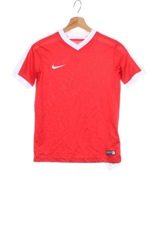 Παιδικό μπλουζάκι Nike, Μέγεθος 11-12y/ 152-158 εκ., Χρώμα Κόκκινο, Πολυεστέρας, Τιμή 19,87€