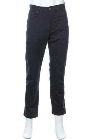 Мъжки дънки Wrangler, Размер S, Цвят Син, 98% памук, 2% еластан, Цена 35,42лв.