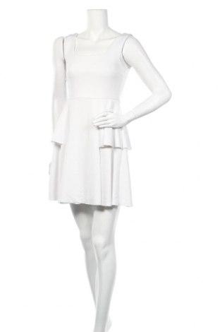 Рокля SHEIN, Размер XS, Цвят Бял, 95% полиестер, 5% еластан, Цена 5,62лв.