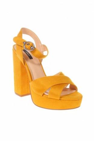 Сандали ONLY, Размер 39, Цвят Жълт, Текстил, Цена 53,82лв.