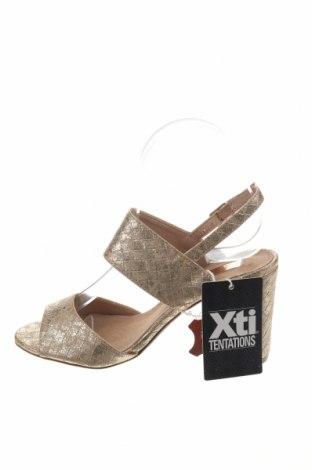 Σανδάλια Xti, Μέγεθος 36, Χρώμα Χρυσαφί, Δερματίνη, Τιμή 19,56€