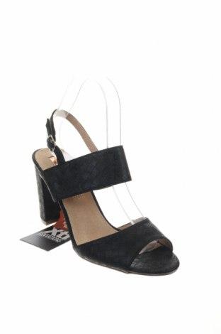Σανδάλια Xti, Μέγεθος 39, Χρώμα Μαύρο, Δερματίνη, Τιμή 20,63€