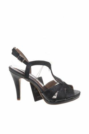 Σανδάλια Xti, Μέγεθος 38, Χρώμα Μαύρο, Δερματίνη, Τιμή 18,85€