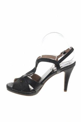 Σανδάλια Xti, Μέγεθος 40, Χρώμα Μαύρο, Δερματίνη, Τιμή 18,85€