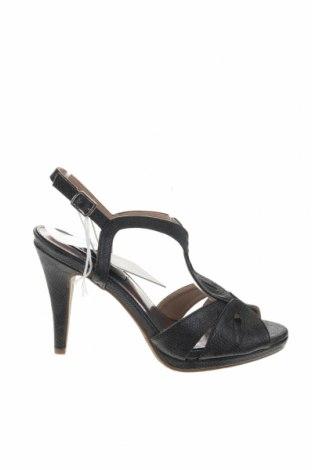 Σανδάλια Xti, Μέγεθος 39, Χρώμα Μαύρο, Δερματίνη, Τιμή 18,85€
