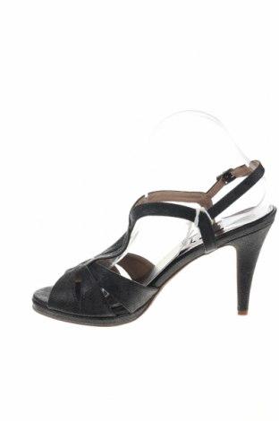 Σανδάλια Xti, Μέγεθος 41, Χρώμα Μαύρο, Δερματίνη, Τιμή 18,85€