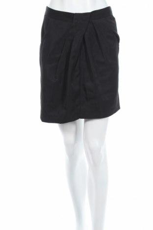 Пола Zoi, Размер M, Цвят Черен, 100% полиестер, Цена 5,52лв.