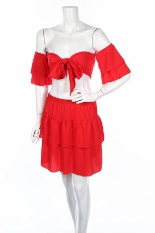 Дамски комплект Boohoo, Размер M, Цвят Червен, 95% полиестер, 5% еластан, Цена 27,56лв.