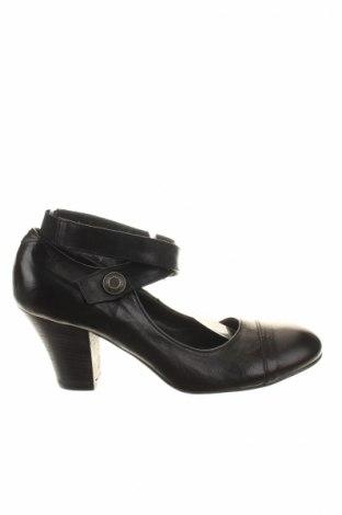 Γυναικεία παπούτσια MOMA