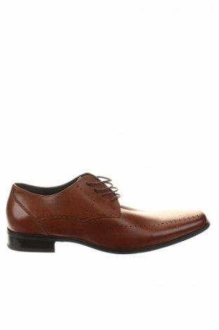 Мъжки обувки Stacy Adams, Размер 44, Цвят Кафяв, Естествена кожа, Цена 28,00лв.