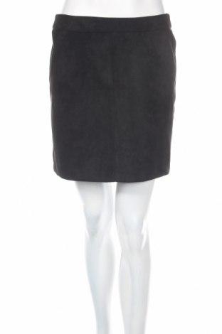 Пола Vero Moda, Размер M, Цвят Черен, 90% полиестер, 10% еластан, Цена 10,80лв.