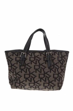 Дамска чанта DKNY, Цвят Кафяв, Текстил, Цена 70,35лв.