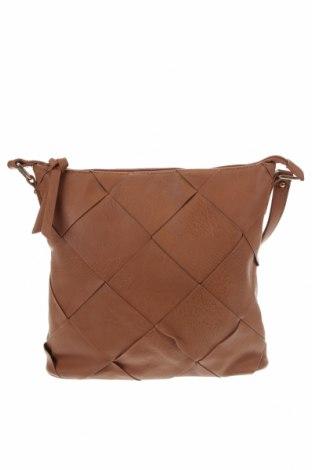 Дамска чанта Target, Цвят Кафяв, Еко кожа, Цена 27,30лв.