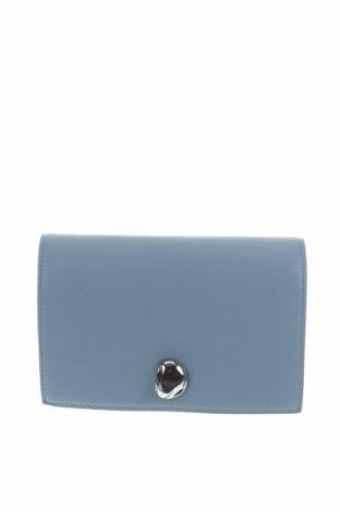 Дамска чанта Zara Trafaluc, Цвят Син, Еко кожа, метал, Цена 28,50лв.