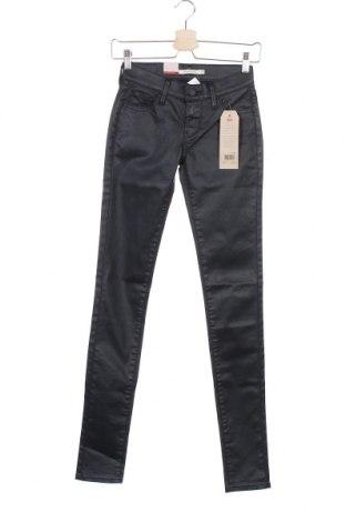 Дамски дънки Levi's, Размер XXS, Цвят Черен, 56% памук, 40% лиосел, 4% еластан, Цена 62,55лв.