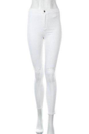 Дамски дънки Sinsay, Размер S, Цвят Бял, 74% памук, 24% полиестер, 2% еластан, Цена 32,92лв.