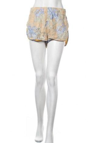 Дамски къс панталон BDG, Размер M, Цвят Многоцветен, 55% лен, 45% вискоза, Цена 13,23лв.