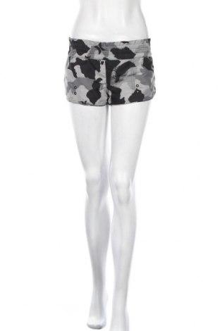 Дамски къс панталон Hurley, Размер XL, Цвят Многоцветен, Полиестер, Цена 8,40лв.