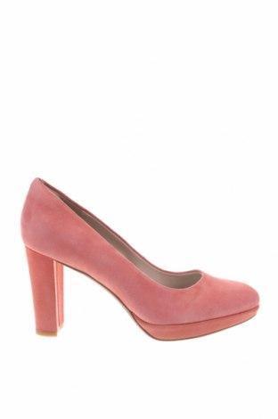 Дамски обувки Clarks, Размер 38, Цвят Розов, Естествен велур, Цена 111,75лв.