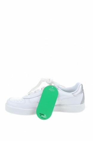 Дамски обувки Diadora, Размер 39, Цвят Бял, Естествена кожа, Цена 126,75лв.