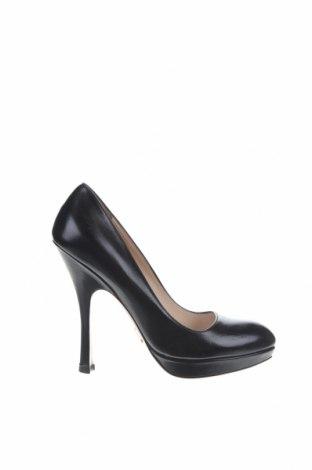 Дамски обувки Prada, Размер 37, Цвят Черен, Естествена кожа, Цена 205,80лв.