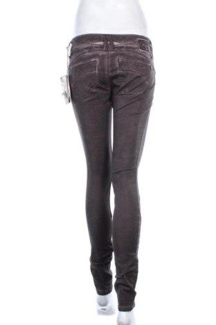Дамски панталон Gang, Размер S, Цвят Лилав, 60% лиосел, 38% памук, 2% еластан, Цена 28,62лв.
