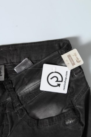 Дамски панталон Gang, Размер M, Цвят Сив, 60% лиосел, 38% памук, 2% еластан, Цена 26,82лв.