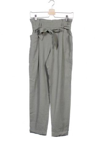 Dámské kalhoty  Zara Trafaluc, Velikost XS, Barva Zelená, 92% viskóza, 8% polyester, Cena  383,00Kč